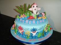 baby-shark-themed-cake
